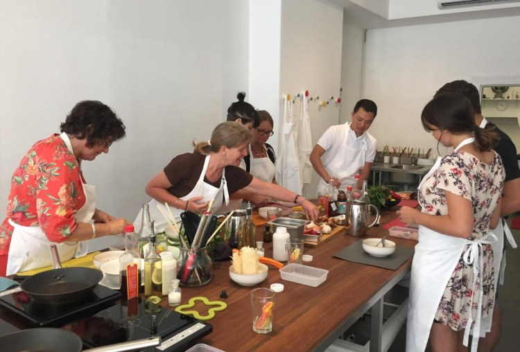 Melbourne Vietnamese cooking Master Class and Food Tour
